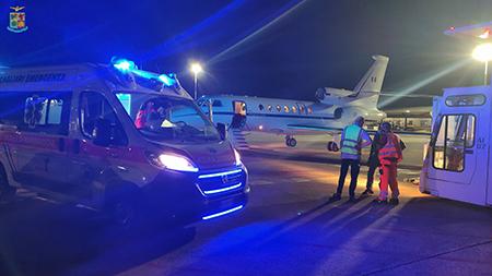 Volo ambulanza: neonato trasportato d'urgenza nella notte da Cagliari a Ciampino