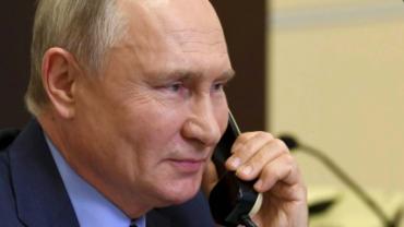 Путин по телефону