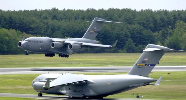 Kabul, incubo Usa: attacco a velivoli cargo in fase di decollo o atterraggio