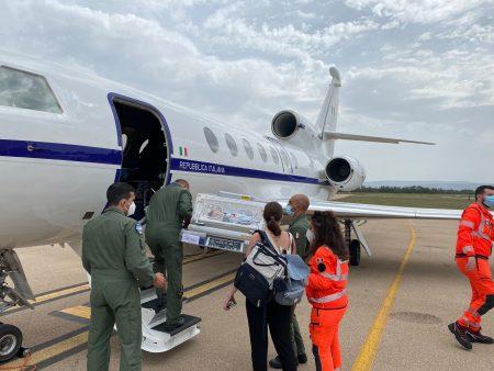 Aeronautica Militare: volo sanitario d'urgenza: neonato in pericolo di vita trasportato da Alghero a Genova